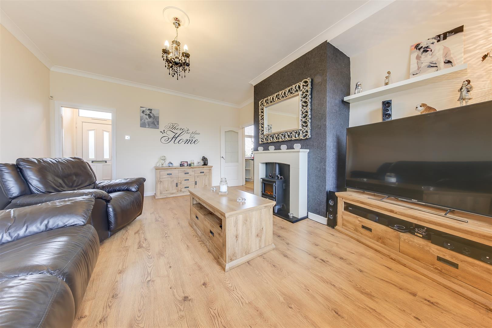 3 Bedrooms Semi Detached House for sale in Barnes Avenue, Rawtenstall, Rossendale